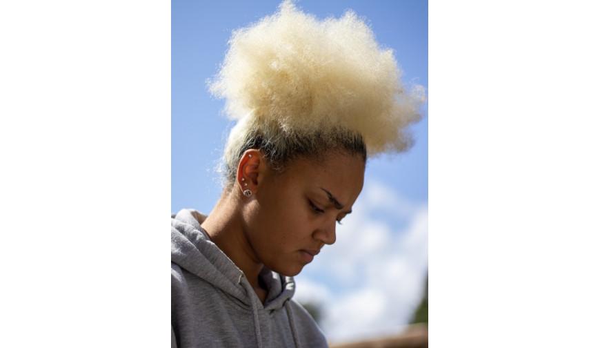Quels soins pour les cheveux très poreux ?
