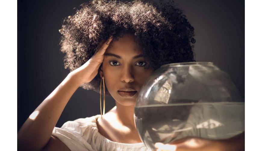 5 façons d'hydrater les cheveux crépus